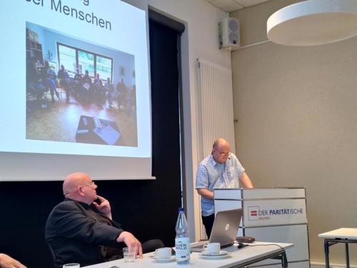 Projektleiter Michael Gerhardt (l), Dirk Dymarski (Selbstvertretung wohnungsloser Menschen)