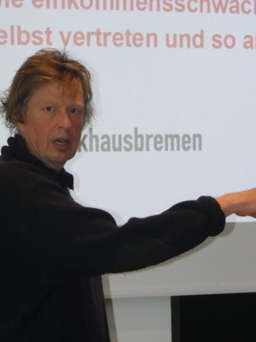 Moderator Peter Gerhardt. Foto: Norbert Brandt