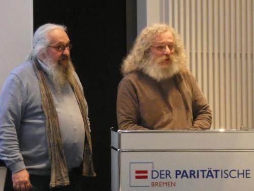 Michael Stiefel (Armutsnetzwerk) (l.) und Jürgen Schneider (Selbstvertretung wohnungsloser Menschen). Foto: Norbert Brandt